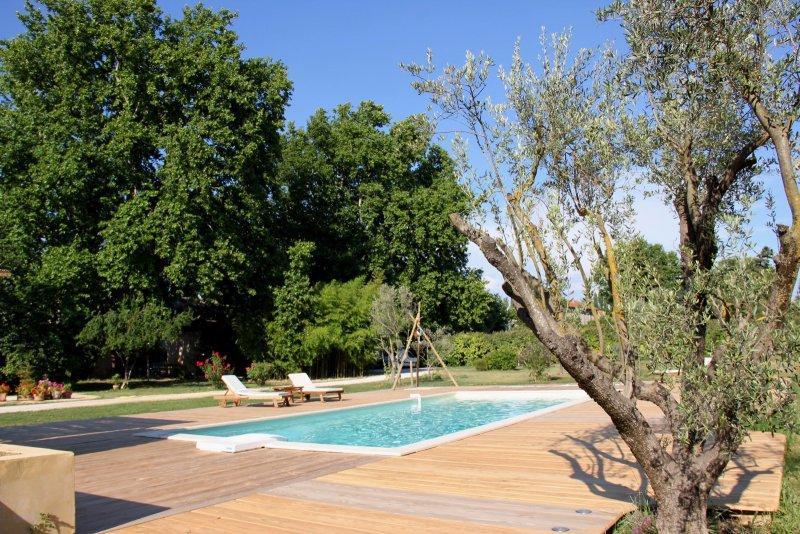 Offres locations vacances mas 9 personnes cavaillon - Location luberon piscine ...